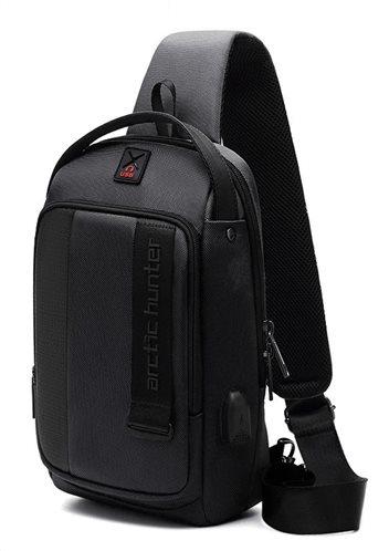 ARCTIC HUNTER Τσάντα Crossbody XB00100-BK USB αδιάβροχη μαύρο